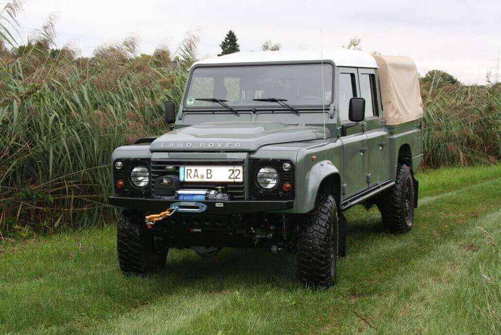 Conversion Defender 130 with ENGAGE4X4 accessories