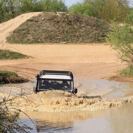 Land Rover Defender Wasserdurchfahrten