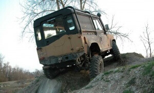 Defender 90 axle articulation